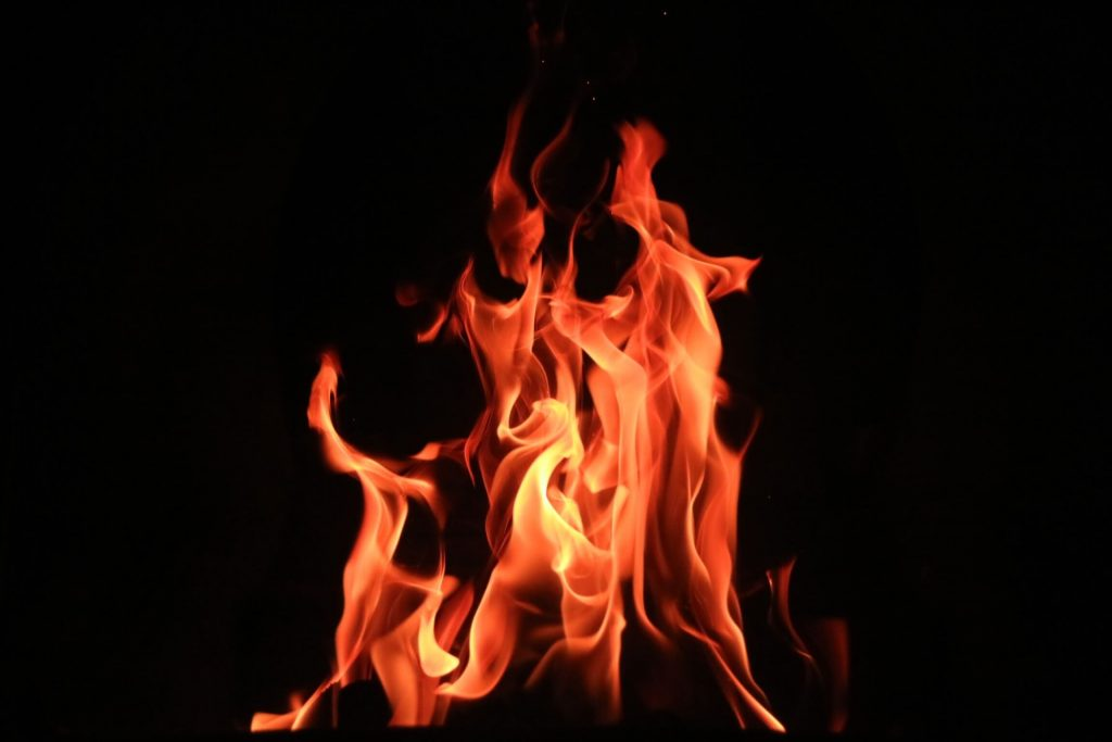 この画像には alt 属性が指定されておらず、ファイル名は 火事-1-1024x683.jpg です